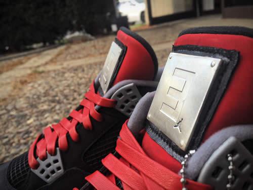 Eminem的全球唯一两双Shady XV Carhartt Jordan 4s球鞋拍卖
