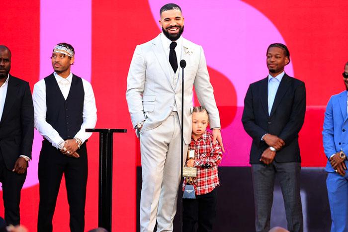 Drake要搞大的,他将启动演唱会场馆HISTORY承办每年2000场演出