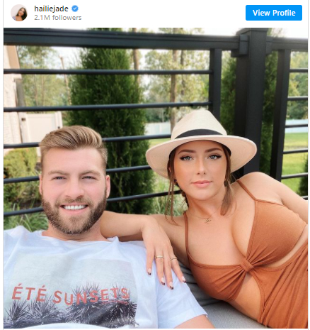 Eminem女儿Hailie罕见分享和男友甜蜜照片